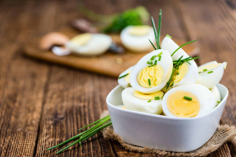 Siekiant gauti visą organizmui naudingų vitaminų ir mineralų kompleksą, būtina rinktis kokybiškus kiaušinius.<br>123rf nuotr.
