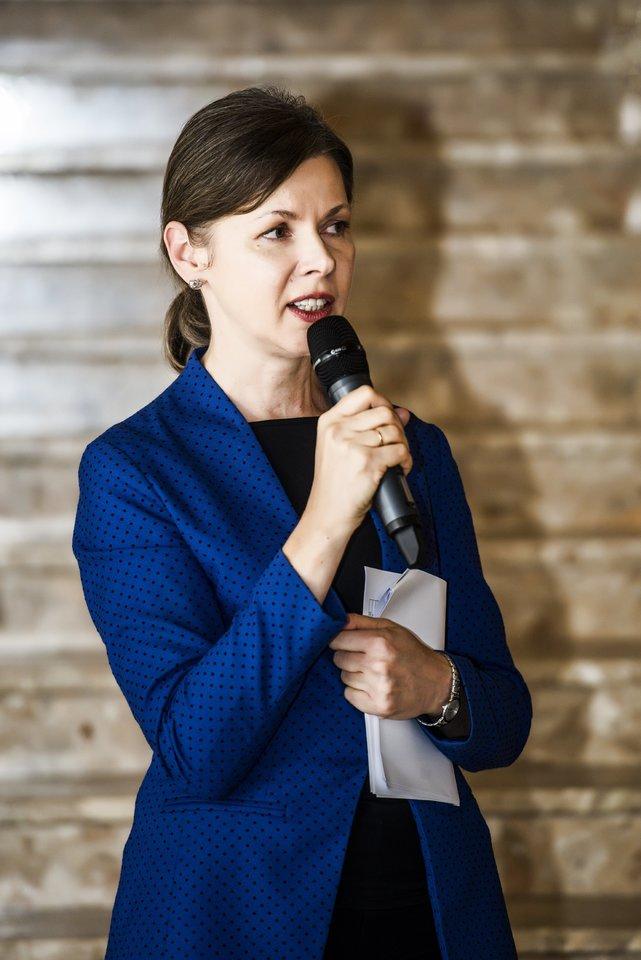 Lietuvos nacionalinės filharmonijos generalinė direktorė R.Prusevičienė džiaugėsi permainomis jos vadovaujamoje įstaigoje.<br>D.Matvejevo nuotr.