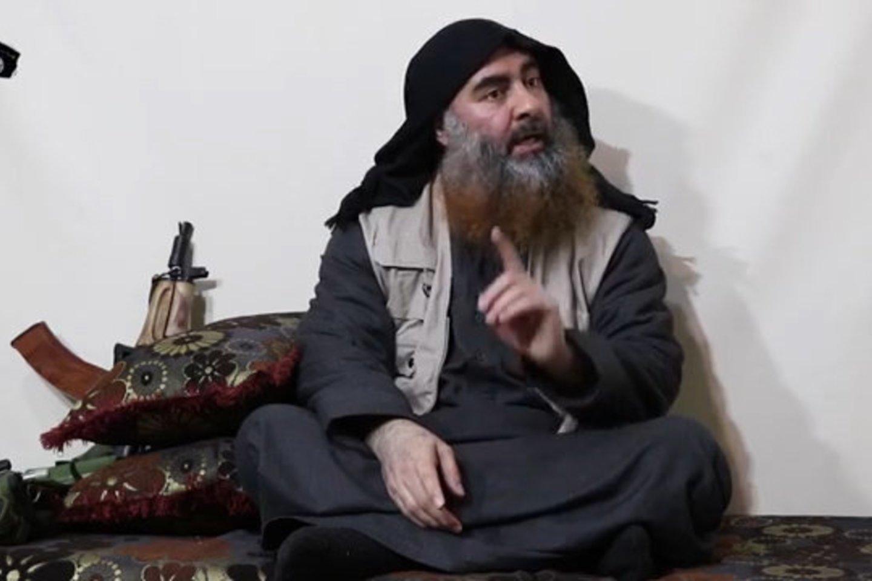 """Valdant Abu Bakrui al-Baghdani itin žiauri džihadistų grupuotė """"Islamo valstybė"""" iš plėšikų gaujos pavirto į labiausiai pasaulyje bijomą karinę grupuotę, kurios įtaka apėmė beveik visą pasaulį. Dabar IV vadas nukautas, tačiau jo organizacija atras kelią prisitaikyti prie pokyčių.<br>AFP/Scanpix nuotr."""