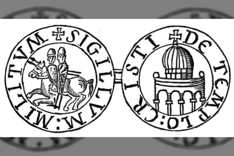 Priešingai realybei, tamplierių ordino emblema skelbė riterių kuklumą ir skurdumą - dėl to du riteriai joja vienu bendru žirgu.