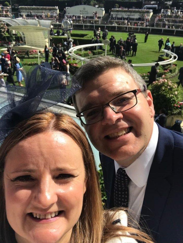 Gillian Payne iš Škotijos ir jos vyras Denis – vieni iš nedaugelio žmonių, kuriems pavyko įsigyti namą Sambukos aukcione. Jie už savo turtą sumokėjo tik 1 tūkst. eurų.<br>Asmeninio archyvo nuotr.