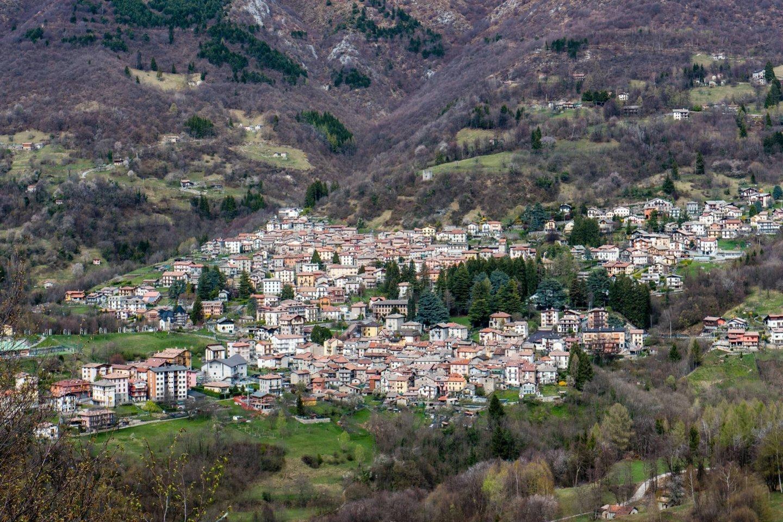 Sambuka – ant kalvos įsikūrusi gyvenvietė, iš kurios matyti Viduržemio jūra.<br>ZUMAPRESS/Scanpix nuotr.