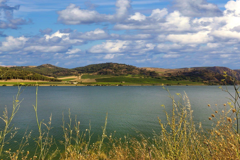 Sambuka – ant kalvos įsikūrusi gyvenvietė, iš kurios matyti Viduržemio jūra.<br>visitsicily.info nuotr.