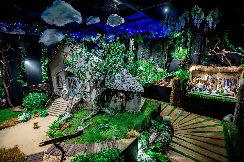 """Fantazijų ir kūrybos namų """"Fėjų slėnis"""" atidarymo akimirka.<br>Organizatorių nuotr."""