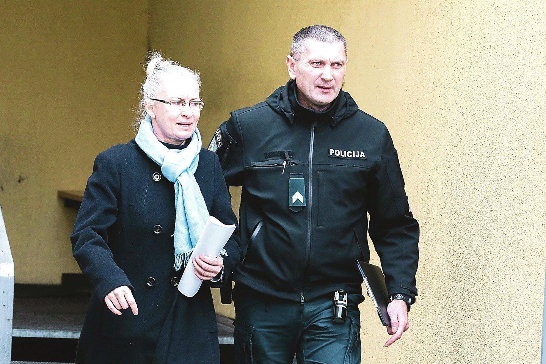 Penktadienį į Kauno apylinkės teismą, kur anksčiau pati dirbo, atvesta N.Venckienė sužinojo, kad paliekama už grotų.<br>G.Bitvinsko nuotr.