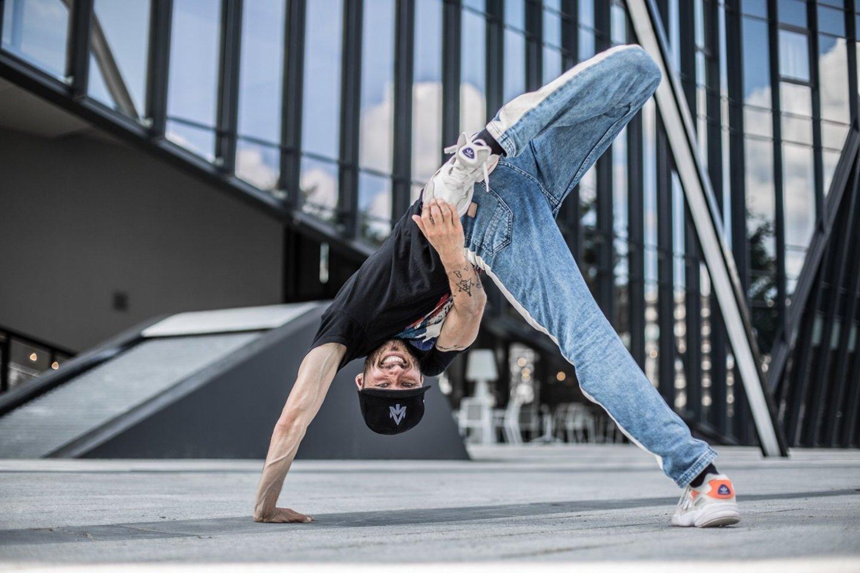 """Parodomoji breiko meistrų kova Vilniaus """"Siemens"""" arenoje vyks lapkričio 30 d., per Pasaulio standartinių sportinių šokių čempionato finalinę dalį.<br>Organizatorių nuotr."""
