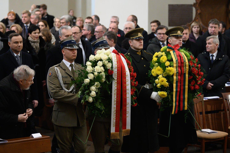 1863-1864 metų sukilimo vadų ir dalyvių valstybinių laidotuvių ceremonija. Mišios Katedroje.<br>V.Skaraičio nuotr.