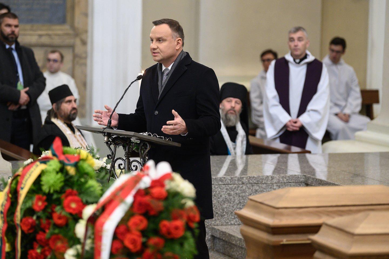 Sukilimo vadų laidotuvėse dalyvauja ir Lenkijos prezidentas Andrzejus Duda.<br>V.Skaraičio nuotr.