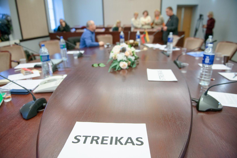Nuspręsta dėl galimo streiko.<br>J.Stacevičiaus nuotr.