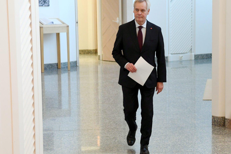 Atsistatydino Suomijos ministras pirmininkas Anttis Rinnė. Jis poste neišbuvo nė pusmečio. A. Rinnė antradienį vidudienį prezidento rūmuose įteikė savo vyriausybės atsistatydinimo pareiškimą.<br>Reuters/Scanpix nuotr.