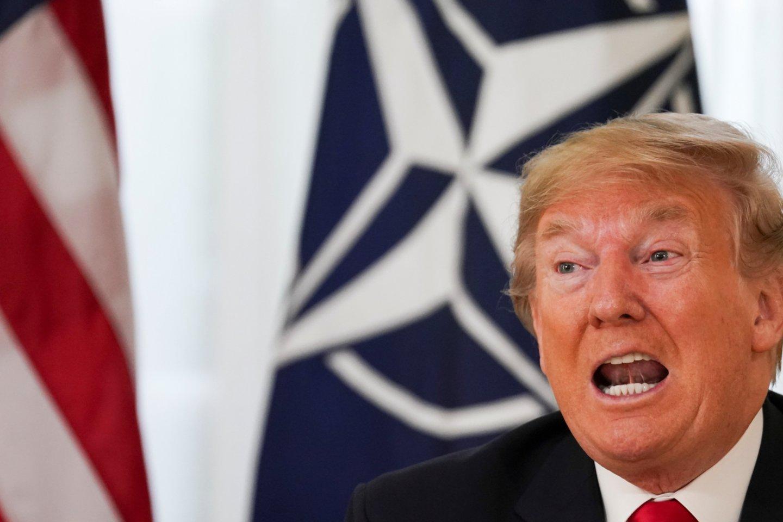 JAV prezidentas Donaldas Trumpas, dalyvaujantis netoli Londono surengtame NATO viršūnių susitikime, trečiadienį pavaišino pietumis uoliausiai prie Aljanso finansavimo prisidedančių šalių lyderius, įskaitant Lietuvos prezidentą Gitaną Nausėdą.<br>Reuters/Scanpix nuotr.