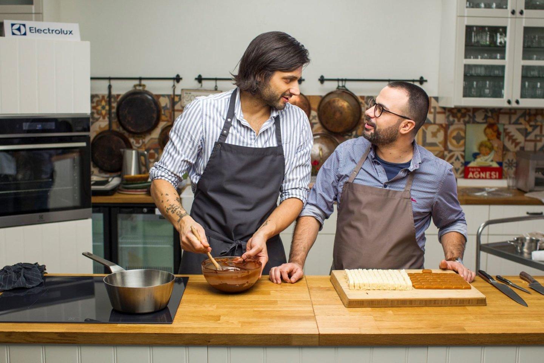 """Kulinarinėje laidoje """"Gardu Gardu"""" kaip įprastai šeštadienio ryte ir vėl žiūrovus linksmins ir stebins šefai Gian Luca Demarko ir Ali Gadžijevas.<br>TV3 nuotr."""