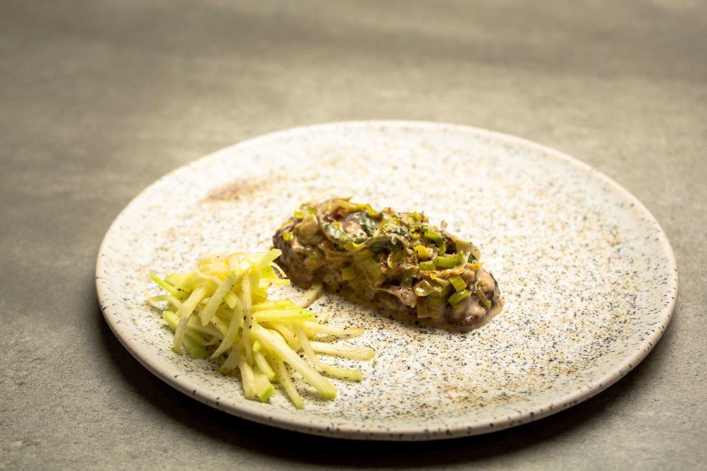 Jautienos kepsneliai su gorgonzolos sūriu.<br>TV3 nuotr.