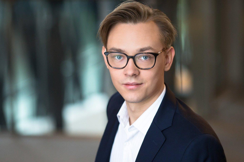 """""""Swedbank"""" vyresnysis ekonomistas Vytenis Šimkus.<br>Asmeninio archyvo nuotr."""