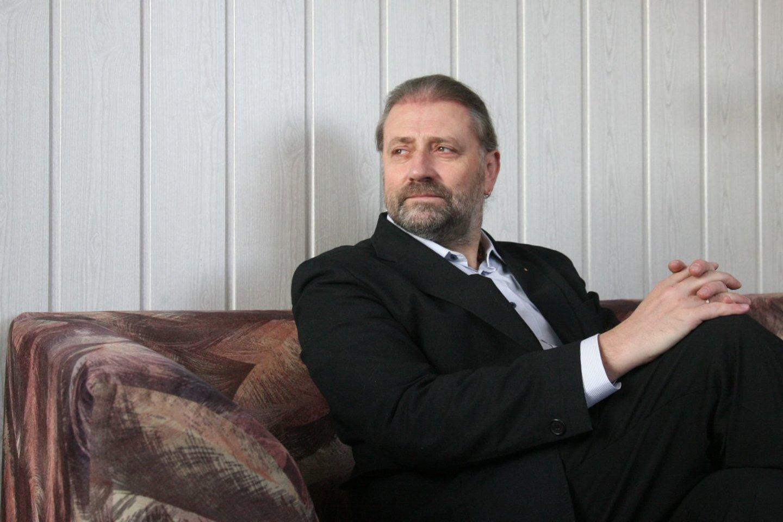Bylos duomenimis, naudingų konsultacijų R. M. Račkauskui galėjo būti suteikta ir asmeniškai, kaip politikui.