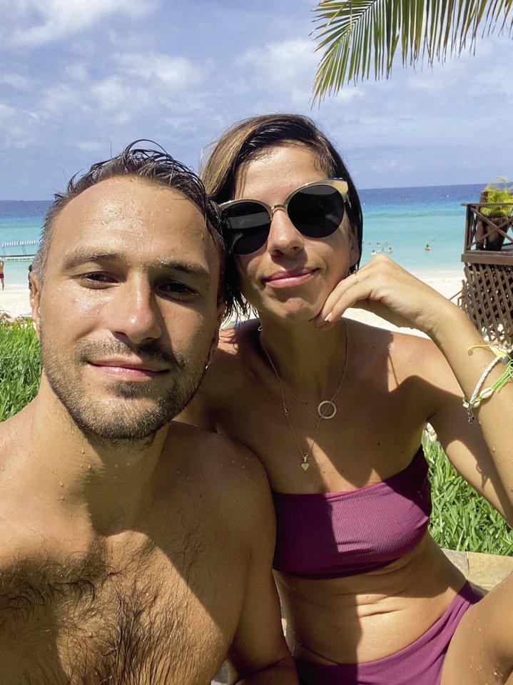 Kelionėje Simona ir Andrius džiaugėsi egzotiška gamta, kerinčiais paplūdimiais ir laiku dviese.<br>Asmeninio archyvo nuotr.