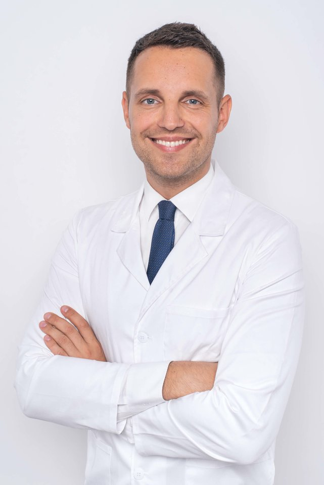 Lietuvoje šeimos gydytojo specialybę įgijęs V. Dockus kelerius metus vadovavo komandai farmacijos įmonėje Dubajuje.<br>Bendrovės nuotr.