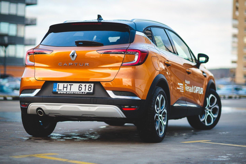 """Naujas antros kartos vienas populiariausių miesto visureigių Europoje """"Renault Captur"""" jau atvyko į Lietuvą.<br>Gamintojų nuotr."""