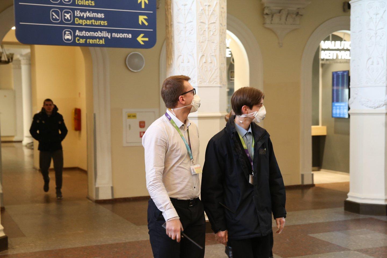 Į Vilniaus oro uostą atskridęs sunegalavęs keleivis ant kojų sukėlė visas tarnybas.<br>R.Danisevičiaus nuotr.