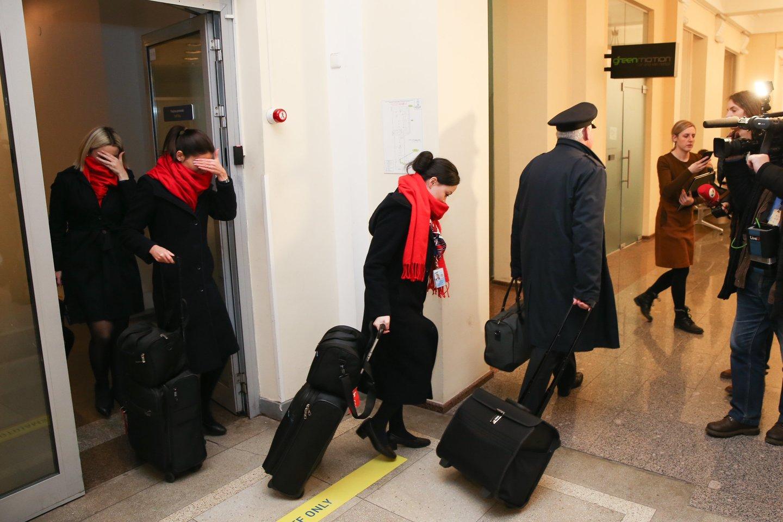 Vilniaus oro uoste sujudimas: medikai tikrina keleivius, galimai koronavirusu užsikrėtęs i<br>R.Danisevičiaus nuotr.