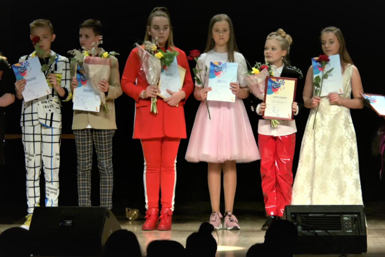 """Pirmosios konkurso """"Slavianskij bazar"""" nacionalinės atrankos koncerto dalyviai Klaipėdos scenoje.<br>G.Pilaičio nuotr."""