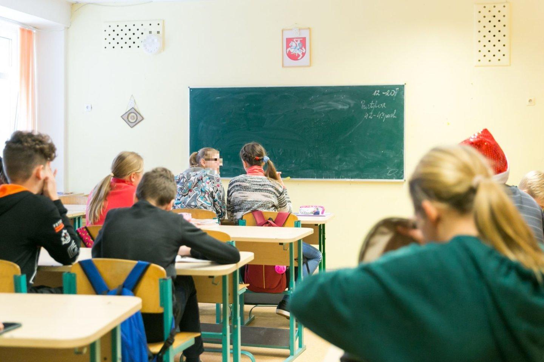 Klaipėdos Vydūno gimnazijoje neregėta mokytojos kalba – meldėsi su V. Putiną ir gailėjosi sovietmečio<br>T.Bauro asociatyvioji nuotr.