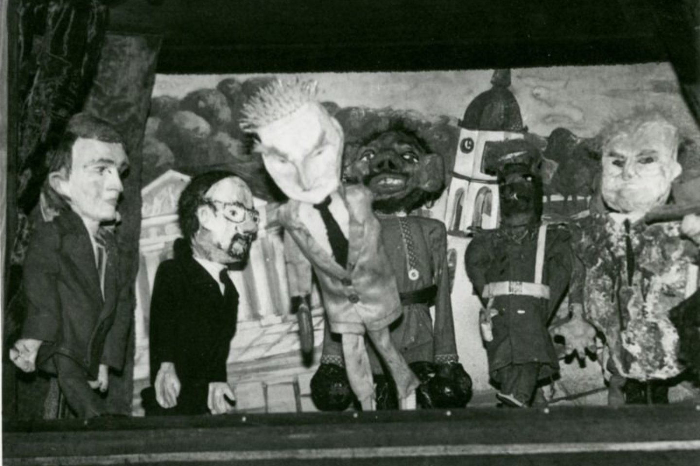 """Spektaklio """"Revoliucijos lopšinės"""" lėlės.<br>Nuotr. iš G.Varno asmeninio archyvo"""
