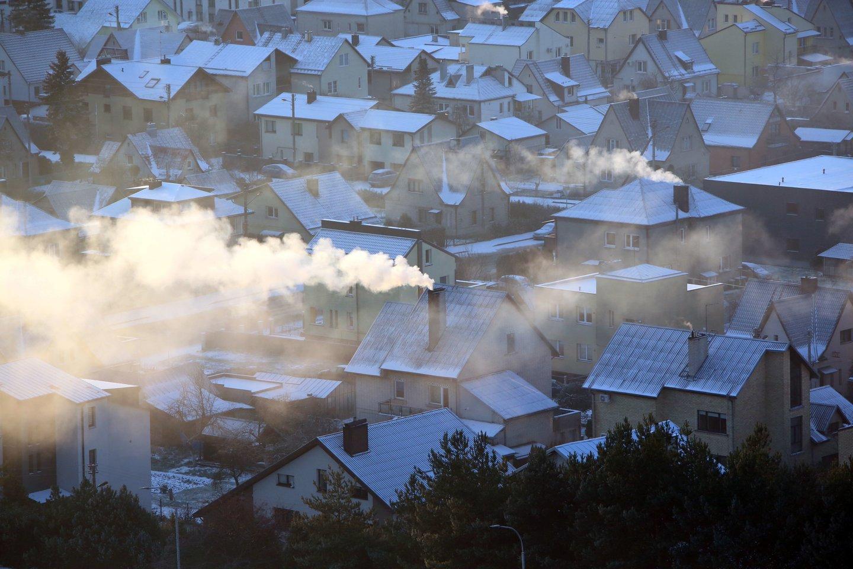 Dėl iškastinio kuro deginimo kylanti oro tarša yra grėsmė mūsų sveikatai ir mūsų ekonomikai, kuris nusineša milijonus gyvybių ir kainuoja trilijonus dolerių.<br>M.Patašiaus nuotr.