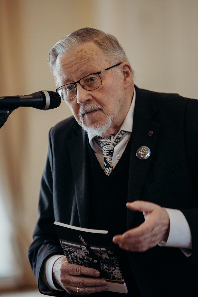 Ceremonijoje dalyvavo ir M.K.Čiurlionio kūrybos tyrėjas prof. V.Landsbergis.<br>M.Endriuškos nuotr.