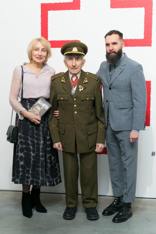 Juozas Jakavonis-Tigras su dukra Angele ir Giedrius Paulauskas.<br>T.Bauro nuotr.