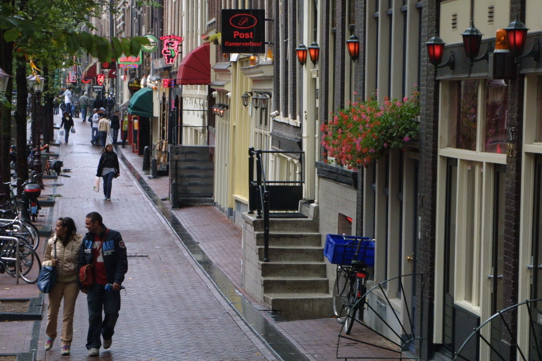 Pastaraisiais metais Nyderlandų sostinė kenčia nuo pernelyg didelių svečių srautų.<br>M.Patašiaus nuotr.