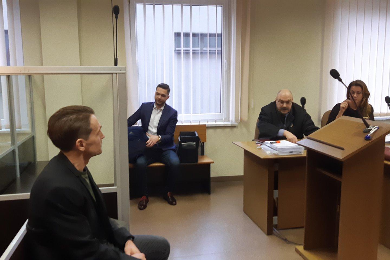 Nei R.Pinikas, nei A.Miltenis kaltės nepripažįsta. Byla bus nagrinėjama uždaruose posėdžiuose.<br>A.Pilaitienės nuotr.