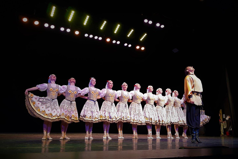 Baltarusijos šokėjai parodė, ką moka ir ką gali.<br>G.Pilaičio nuotr.