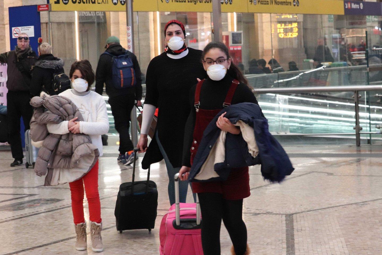 Kinijoje sausį kilus COVID-19 viruso protrūkiui, jis išplito daugiau nei 30-yje valstybių.<br>Scanpix/Italy Photo Press nuotr.