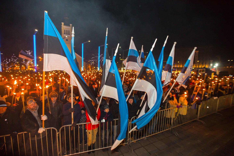 Rusijos užsienio reikalų ministerija pirmadienį paragino Europos žmogaus teisių organizacijas ir Europos saugumo ir bendradarbiavimo organizaciją (ESBO) įvertinti Estijos sprendimą atimti iš Rusijos žurnalisto Andrejaus Zacharovo laisvę keliauti po Šengeno zonos šalis.<br>AFP/Scanpix nuotr.