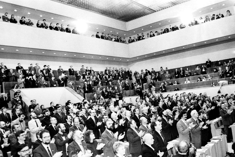 1990 kovo 11-oji.Lietuvos Nepriklausomybės atkūrimo diena.Tos dienos įvykiai.<br>P.Lileikio nuotr.