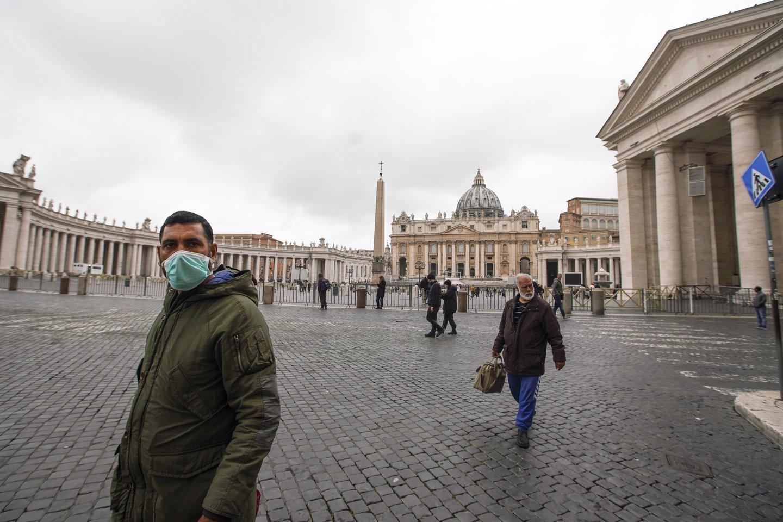 Koronavirusas apvertė italų gyvenimą aukštyn kojomis.<br>Scanpix nuotr.