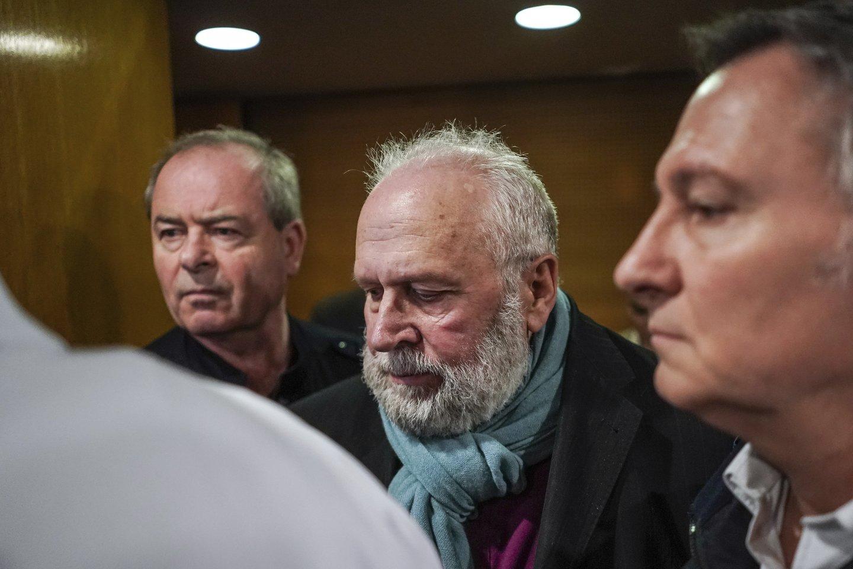 Prancūzijoje vienas titulo netekęs katalikų kunigas pirmadienį buvo nuteistas kalėti penkerius metus už tai, kad prieš kelis dešimtmečius lytiškai smurtavo prieš jo prižiūrėtus skautus.<br>AP/Scanpix nuotr.