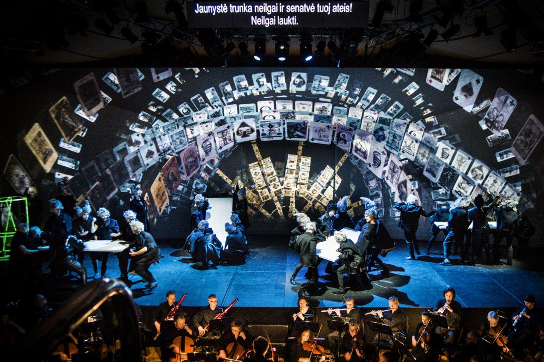 """VCO """"Pikų damos"""" spektaklius sostinėje turėjo pristatyti šią savaitę.<br>D.Matvejevo nuotr."""