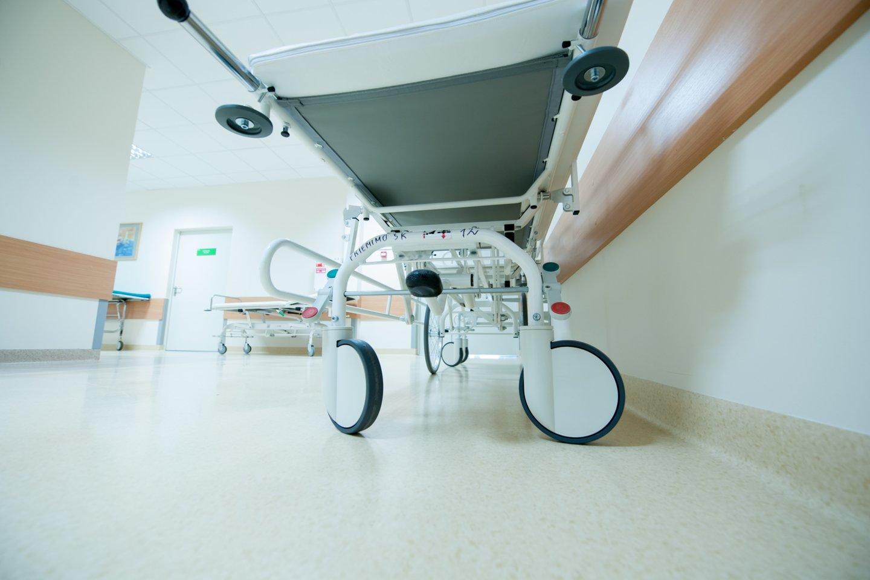 Į ligoninę atvežtas girtas šiaulietis iš čia savavališkai pasišalino net nebaigus ji apžiūros.<br>V.Ščiavinsko asociatyvi nuotrauka