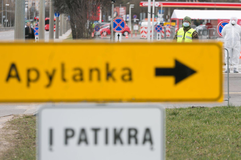Pirmadienį grupė Lietuvos medikų ir profesorių išplatino atvirą laišką ministrui pirmininkui Sauliui Skverneliui ir šalies prezidentui Gitanui Nausėdai.<br>T.Bauro nuotr.