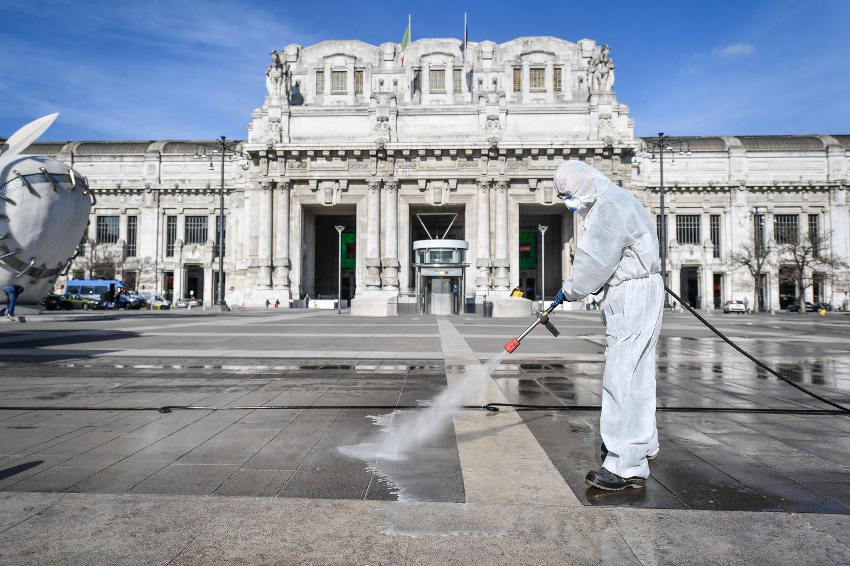 Koronaviruso pandemija neslūgsta ir toliau.