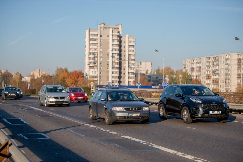 Tikėtina, jog automobilių draudimo kainos nesikeis.<br>J.Stacevičiaus nuotr.