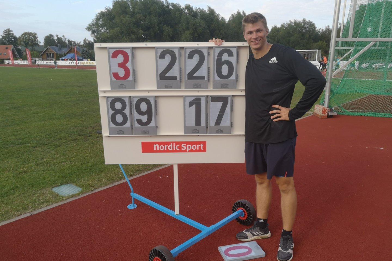 Edis Matusevičius pagerino Lietuvos rekordą ir įvykdė Tokijo olimpiados normatyvą.<br>R.Trakio nuotr.