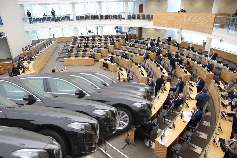 Seimo kanceliarija atskleidė, kad nerenka informacijos, kur keliavo Seimo nariai.<br>lrytas.lt montažas.