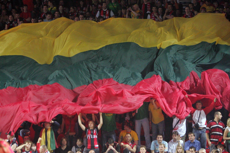 """Lygiai prieš 13 metų, 2007-ųjų balandžio 10-ąją Vilniaus """"Lietuvos ryto"""" krepšininkai Europos taurės finale susidūrė su tituluotoju Madrido """"Real"""".<br>Dienraščio """"Lietuvos rytas"""" nuotr."""