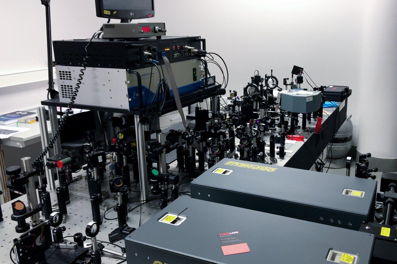 Lazerių sektoriuje būtinos specifinės žinios bei patirtis.<br>V.Ščiavinsko nuotr.
