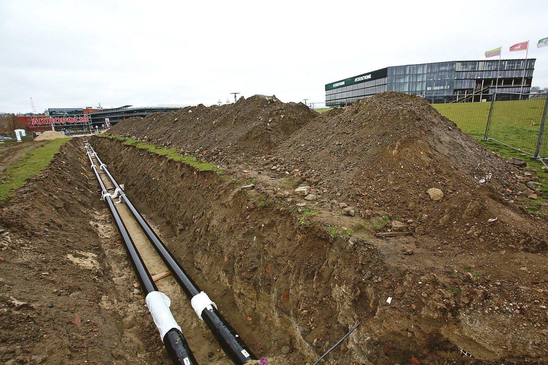 """""""Mokslo salos"""" statybos vietos link Nemuno saloje tiesiamos įvairios komunikacijos.<br>M.Patašiaus nuotr."""