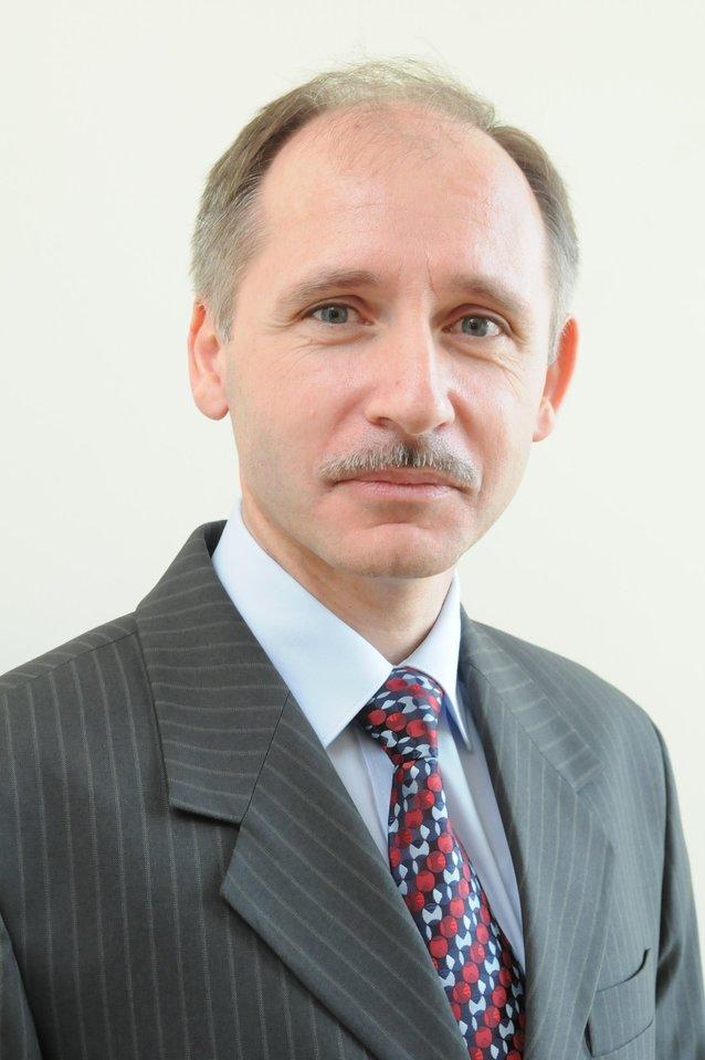 VUL Santaros klinikų Pulmonologijos ir alergologijos centro vadovas prof. Edvardas Danila.