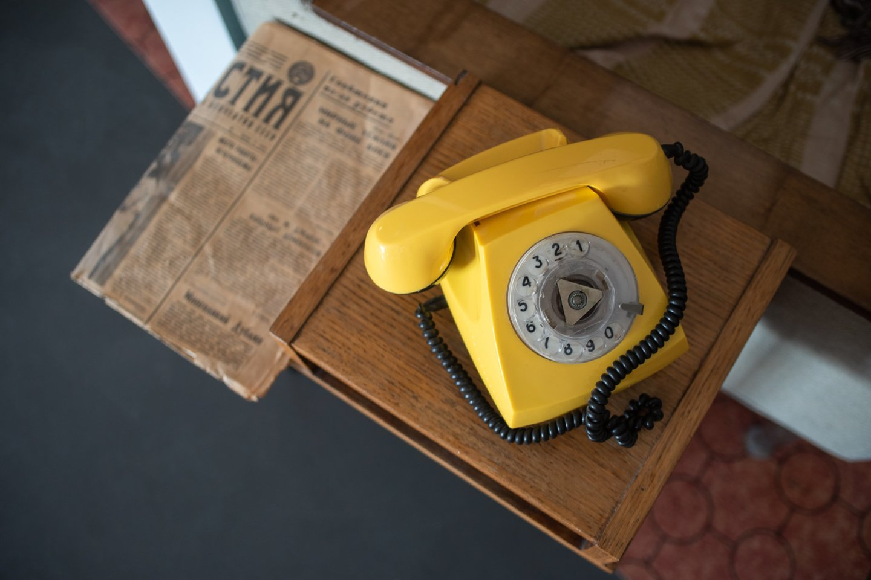 """Anot V. Smailytės, Energetikos ir technikos muziejuje įrengta """"chruščiovkės"""" instaliacija sukurta vadovaujantis tipinio daugiabučio buto išmatavimais ir interjeru.<br>Martynos Bakaitės / Energetikos ir technikos muziejaus nuotr."""